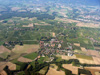 Satigny, et derrière le petit village de Choully. Au fond à droite: St-Genis Pouilly
