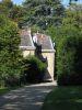 La loge du gardien, vue de la chapelle