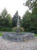 Fontaine, dans le Parc (extérieur) du Château