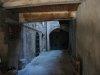 Petite cour intérieure de maison, sous les arcades (Grand Rue)