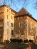 La tour Baudet (1455) depuis la promenade de la Treille (la plus ancienne promenade de la ville, 1515). A gauche on distingue le bout de la porte du même nom.