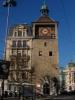 La Tour de l'Île est tout ce qu'il reste du donjon du château construit sur l'ìle entre 1215 et 1219 par Aymont de Grandson. Elle faillit être démolie en 1897, mais les Genevois ont obtenu sa conservation par pétition.