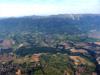 Vol au dessus du bassin de l'Allondon. Au premier plan à gauche Challex,  à droite Dardagny. Au fond, St Jean de Gonville et Thoiry