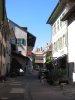 Datant de 1732, la rue du Perron est bordée de maisons qui ont su préserver leur architecture originale