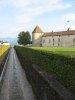 Petit canal, le long du parc du château