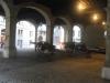 Ancienne halle puis halle aux grains puis arsenal, actuellement ce bâtiment abrite les archives de Genève.